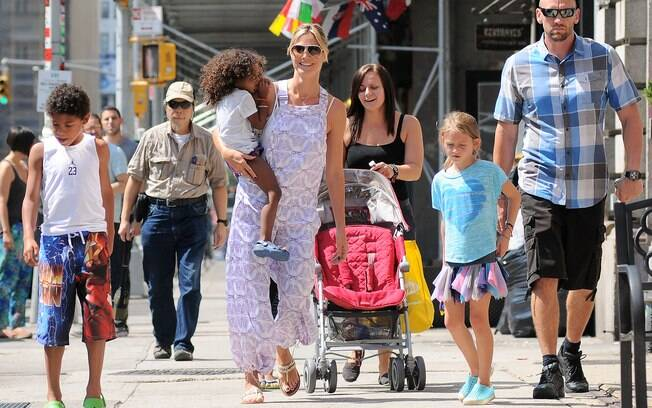 Heidi Klum o namorado guarda-costas e os filhos