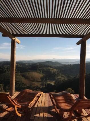 A pousada Quinta dos Pinhais oferece chalés, moradas e vivendas com vista ampla