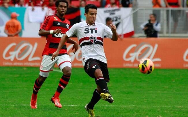 Jadson perdeu pênalti no empate entre  Flamengo e São Paulo por 0 a 0 no Distrito  federal