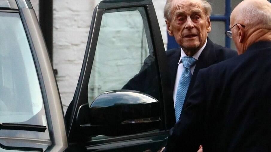 Príncipe Philip deixando um hospital em 2019