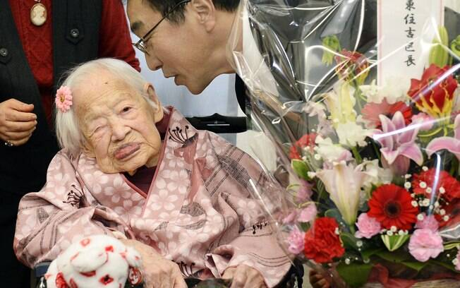 Misao Okawa completa 117 anos