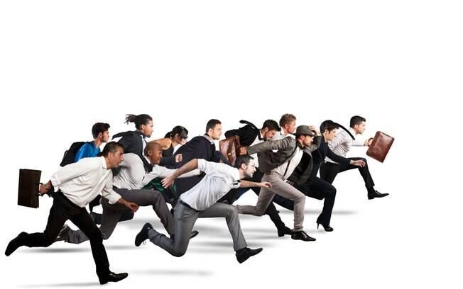 Concursos públicos se tornam opção aos profissionais que buscam estabilidade no mercado de trabalho