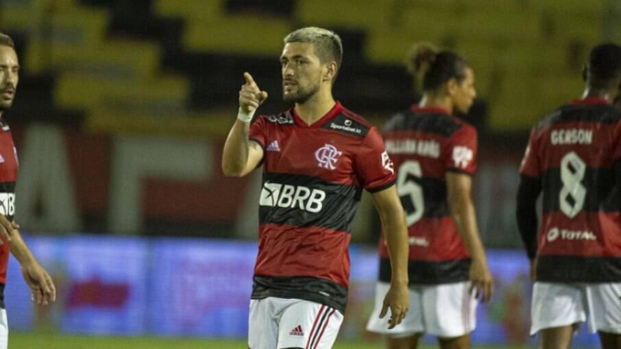 Arrascaeta e Flamengo vivem imbróglio em negociação