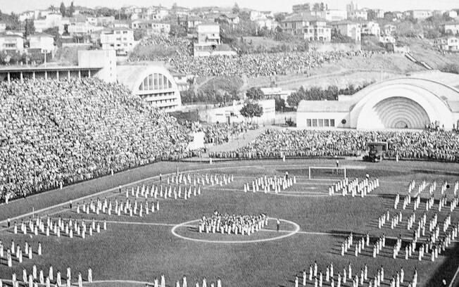 Inuguração do Pacaembu, em 27 de abril de 1940, contou com a presença do então presidente Getúlio Vargas
