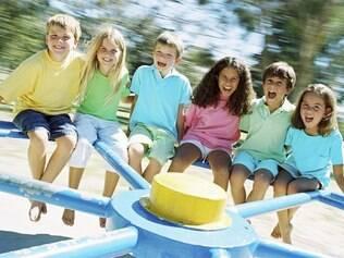 Para as crianças, brincar é a primeira forma de se relacionar com o mundo