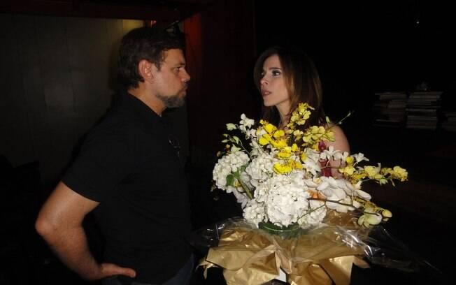 Diogo Vilela leva flores a Débora Evelyn