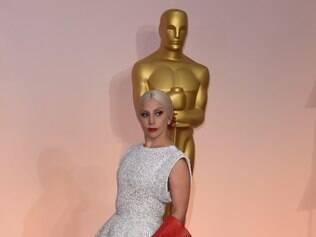 Vestido de Lady Gaga  para o Oscar levou dois meses para sair da oficina de Azzedine Alaïa.