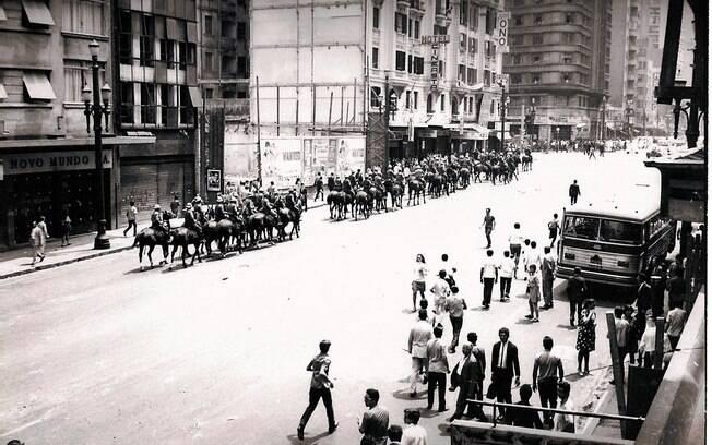 Oficialmente, ditadura militar começou em um dia 1º de abril