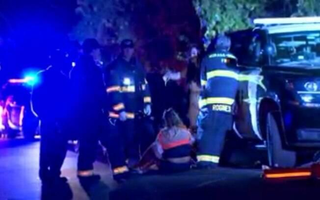 Ambulâncias e viaturas policiais socorreram vítimas de tiroteio