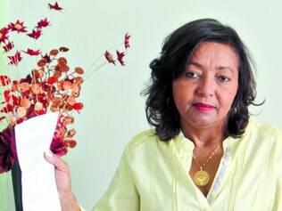 Kátia, 49, faz hemodiálises e aguarda transplante há quase dez anos