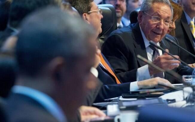 Durante discurso na Cúpula das Américas, Raúl Castro isentou Obama de responsabilidades (11/04/2015)