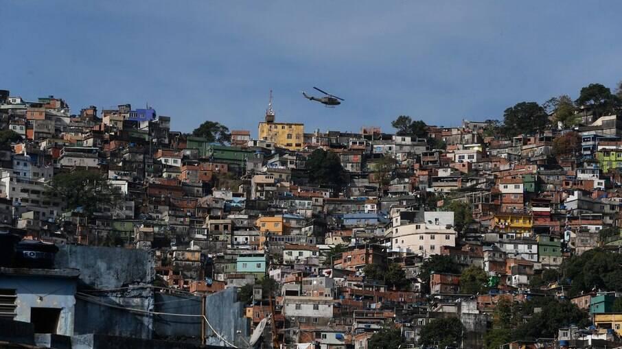 Grupo dos 10% mais ricos concentra quase metade da renda no Brasil, revela IBGE