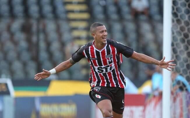 Antônio Carlos marcou seu primeiro gol com a  camisa do São Paulo