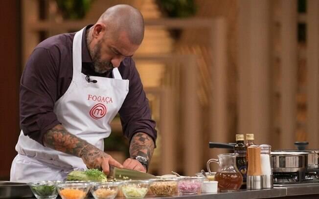 Henrique Fogaça durante o reality show culinário