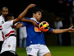 Ricardo Goulart em ação contra o São Paulo, no ano passado