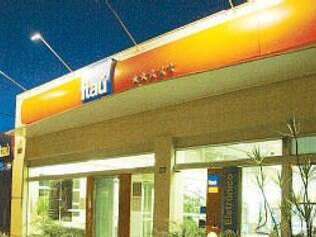Justiça impede Itaú de reter pagamento de cliente para cobrir saldo negativo