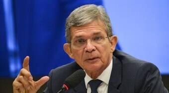 General Silva e Luna contraria Bolsonaro e promete seguir pre?os globais