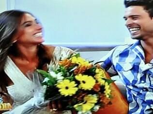 Nicole Bahls foi pedida em namoro por Gustavo Salyer, mas se esquivou