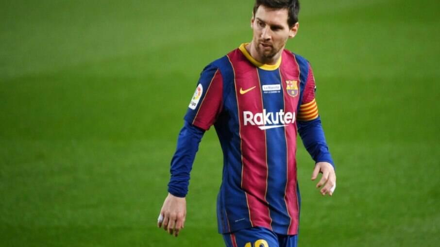 Messi se junta a craques que perderam a cabeça e partiram para a agressão