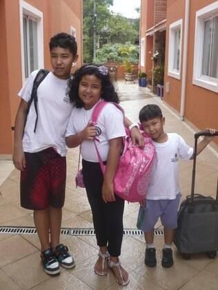 Yuri, Bianca e Renan prontos para a escola: sair da particular para a pública foi adaptação necessária