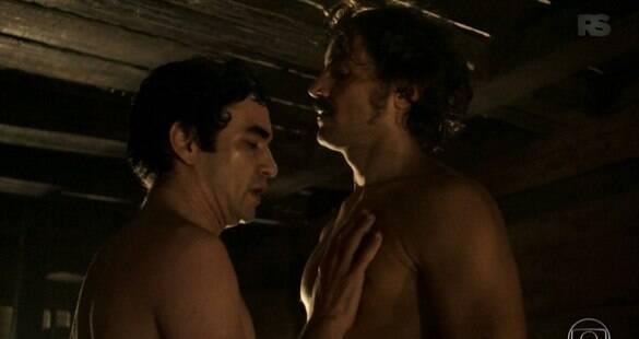 Primeira cena de sexo entre homens na TV choca o Brasil