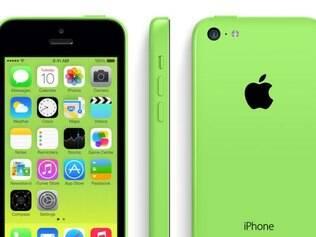 O 5c oferece cinco opções de cor: verde, azul, branco, amarelo e rosa