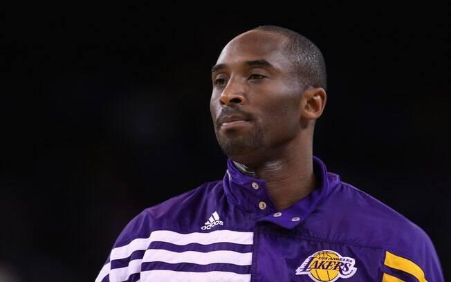 Em 2011, Kobe Bryant, astro da NBA, teve que  se explicar para a polícia por supostamente ter  agredido uma pessoa que tentava tirar uma foto sua  com celular