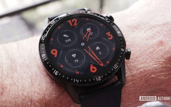 Modelo do smartwatch da Huawei que está no promoção da fabricante