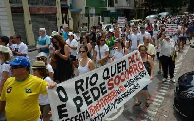 Manifestantes cobraram o uso da inteligência policial nos bairros da zona sul do Rio de Janeiro