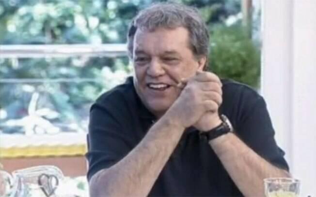 Dennis Carvalho: saia justa no