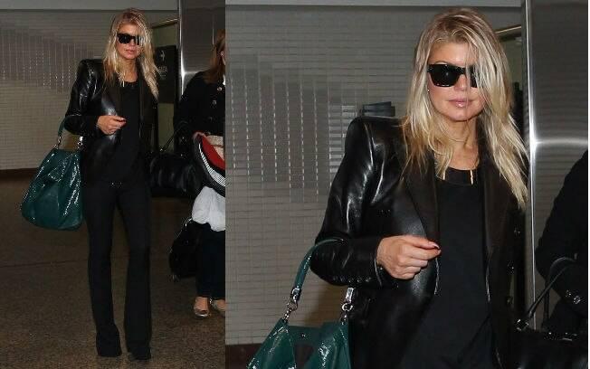 Fergie foi flagrada desembarcando no Brasil nesta quinta-feira (16)
