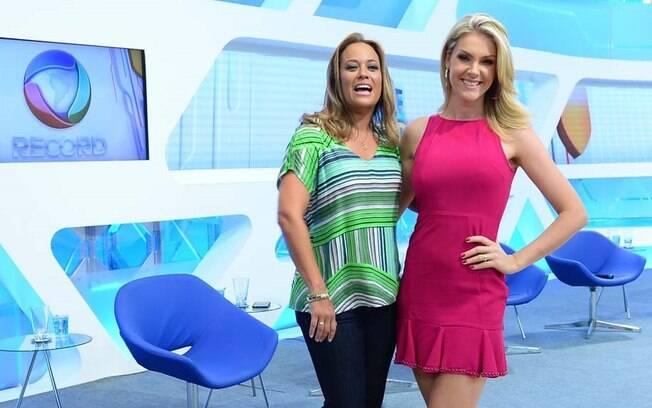 Ana Hickmann com Renata Alves, com quem divide a apresentação do novo  Hoje  em. Chris Flores. a529348ba9