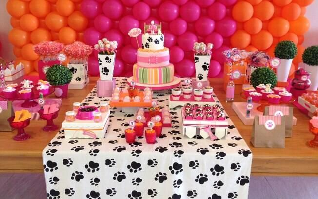 Se a criança é louca por animais, a festa de cachorrinhos é uma das mais populares do momento