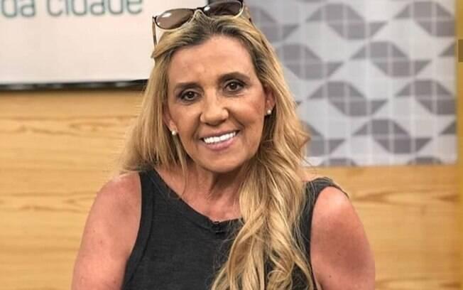 Rita Cadillac revela que está passando por dificuldades financeiras