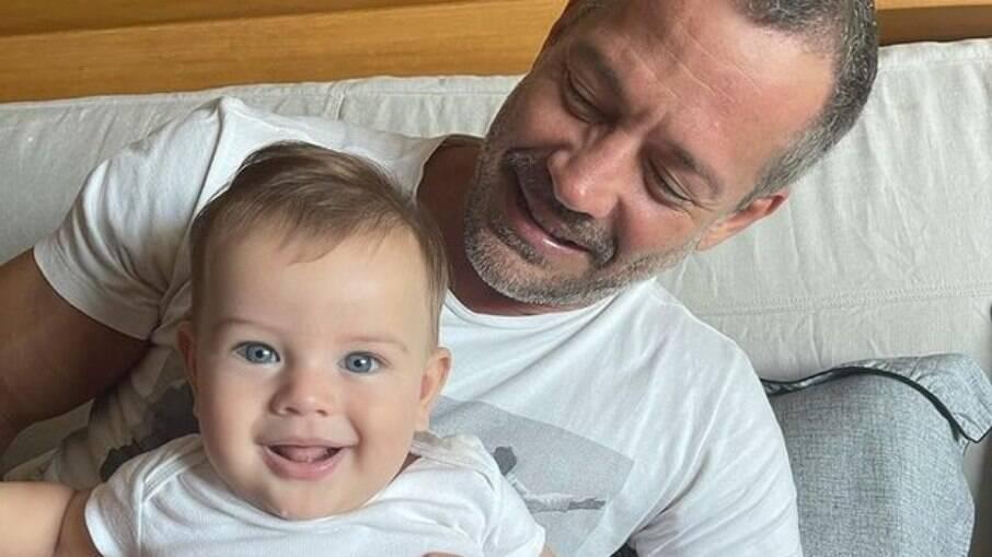 Malvino Salvador com o filho, Rayan