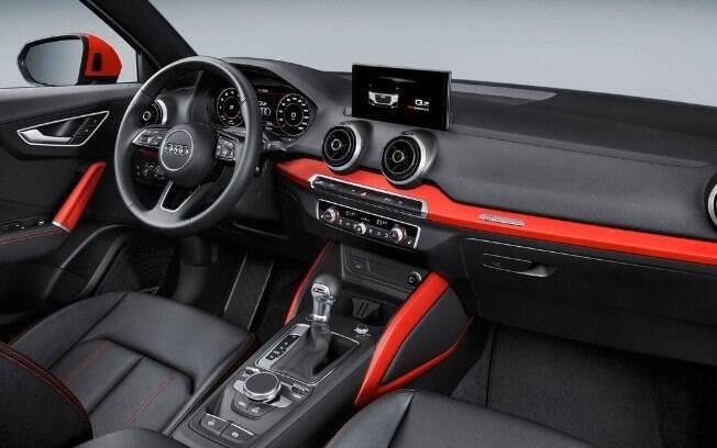 Interior do SUV segue o novo padrão da Audi, que também acaba de ser implantado no Q3 e chegará no ano que vem