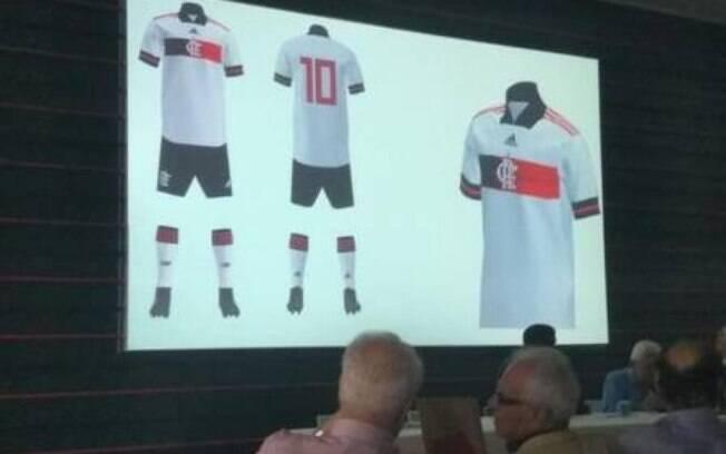 Suposto novo segundo uniforme do Flamengo
