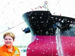 Pela culatra.Dilma Rousseff durante inauguração do navio petroleiro Dragão do Mar, em Ipojuca (PE)