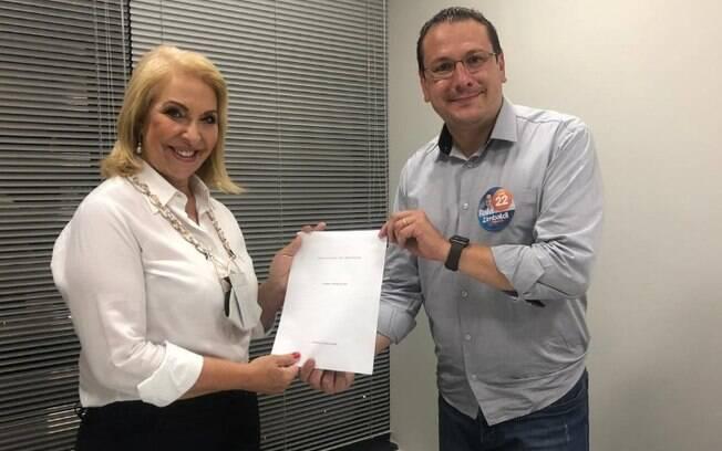 Delegada Teresinha anuncia apoio a Rafa Zimbaldi no 2º turno