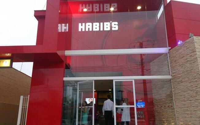 Fachada da loja nova do Habib's
