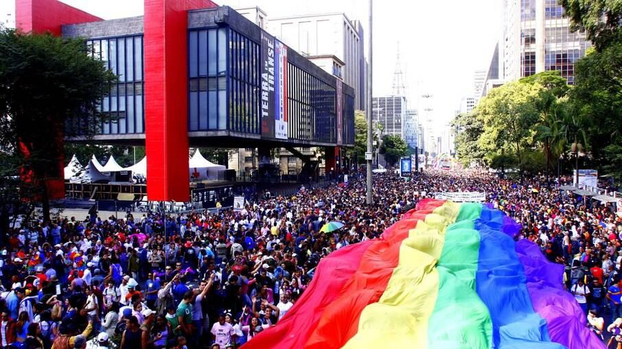 Parada do Orgulho LGBT de 2021 acontece no próximo dia 6