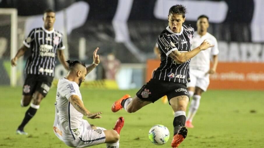 Santos e Corinthians se enfrentam na Vila Belmiro