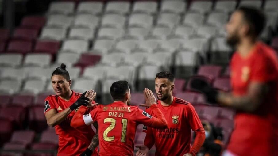 Porto e Benfica duelam em maior clássico de Portugal