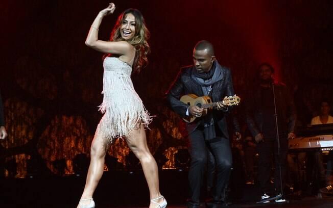 Sabrina Sato dança ao lado de Alexandre ires