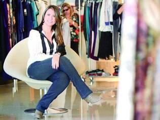 As calças com cós em elasfit que, de acordo com Pollyanna Buzetti, é um produto que faz mágica