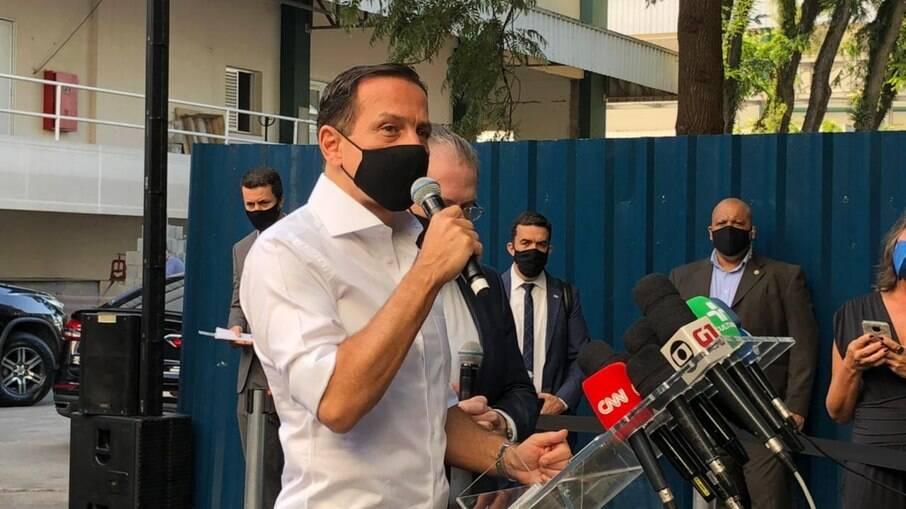 """""""Acelera, ministro"""", diz Doria sobre anúncio de vacina do governo federal"""