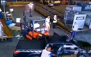 Polícia encontra partes de ambulância usada em roubo de ouro em aeroporto