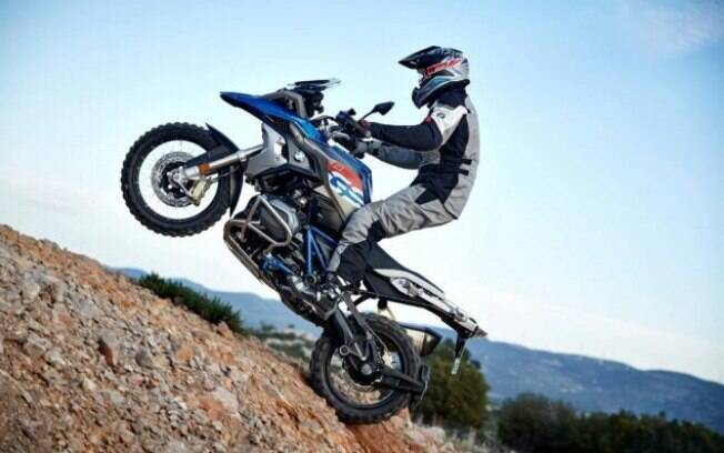 A moto é voltada aos amantes de Off-road. Com isso, é pensada principalmente para entregar desempenho e robustez