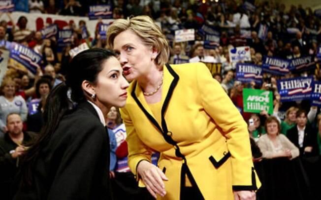 Hillary Clinton em sua campanha eleitoral com a assistente Huma Abedin