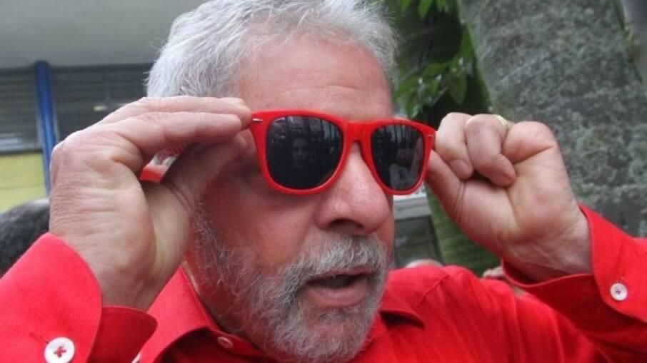 Ex-presidente volta a integra a Lei da Ficha Limpa